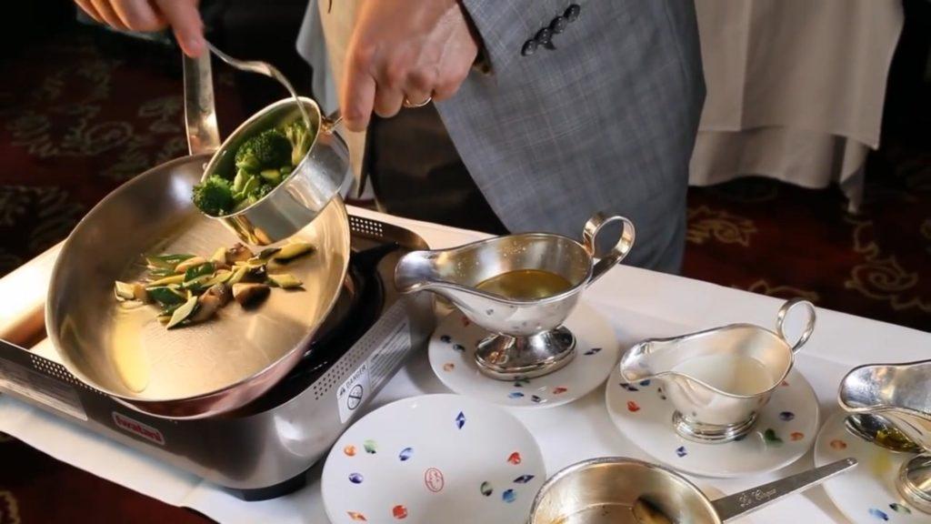 Спагетти Примавера - обжариваем овощи
