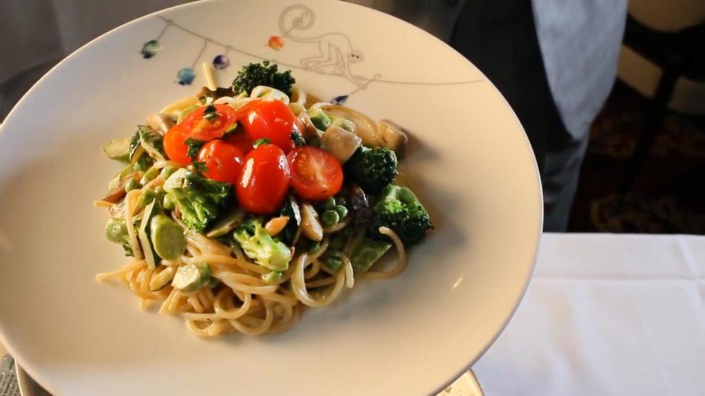 Спагетти Примавера - подаем к столу
